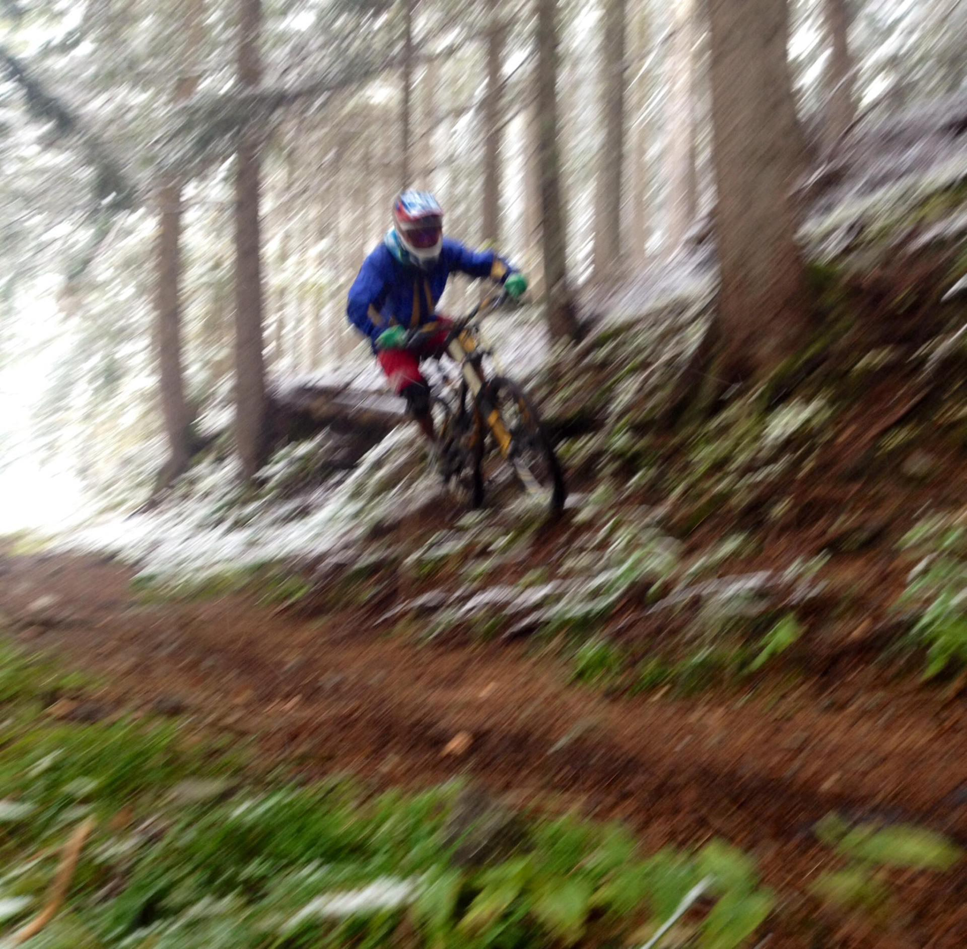 From winter to autumn, epic mtb ride in Chamonix